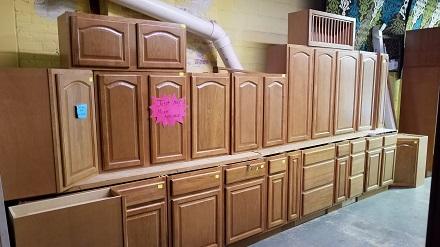 Portland Light Oak Raised Panel Surplus Cabinets