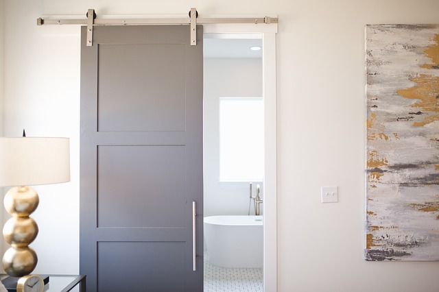 4 Ways to Use Sliding Barn Doors in Your Home